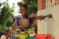 Access to safe water for Malawi women thumb